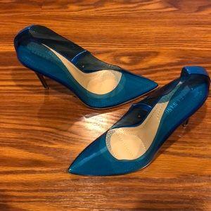 Blue heels (pumps)